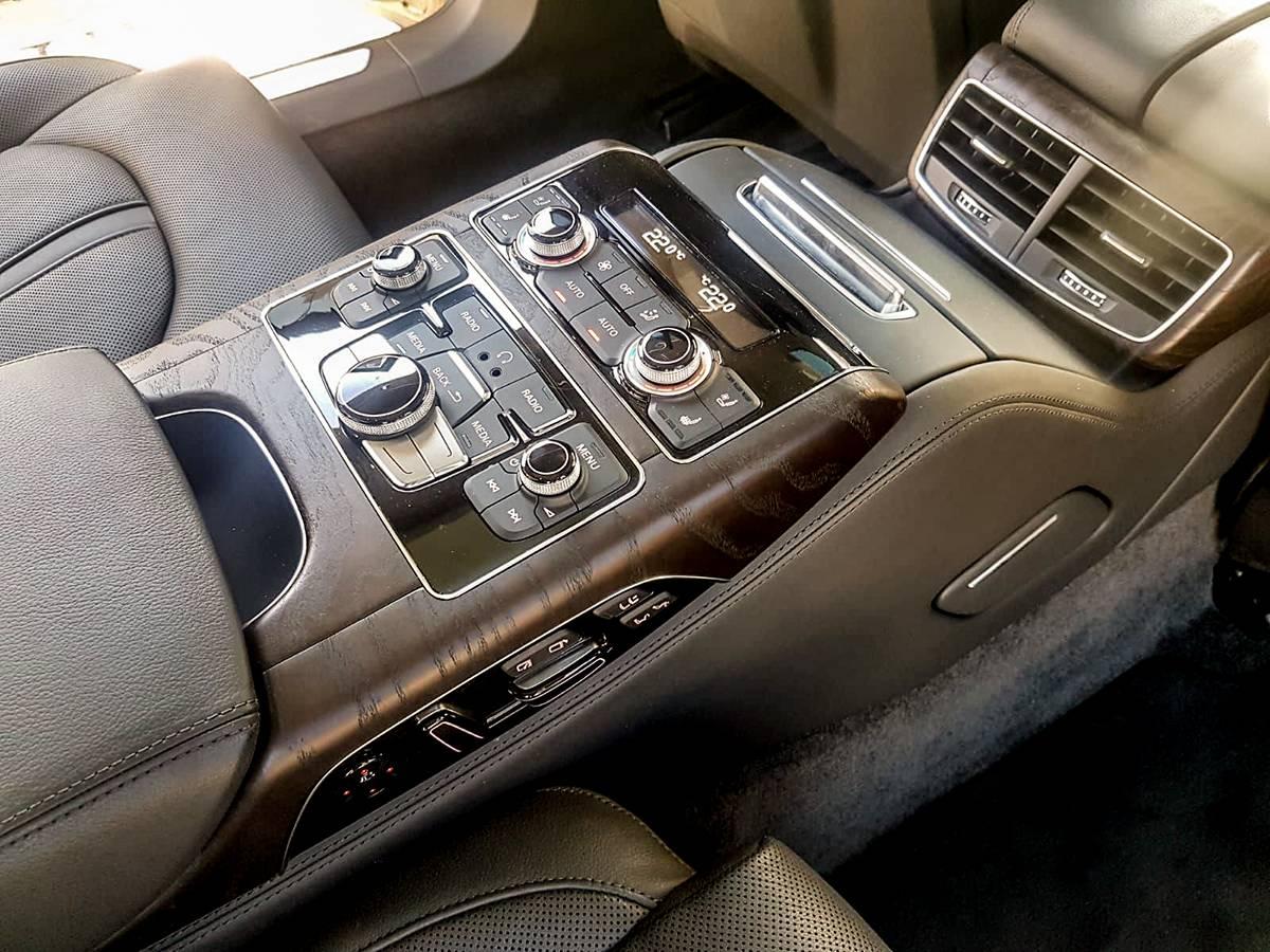 2020 audi a8 lanterna limo service private taxi ncc genova milano france
