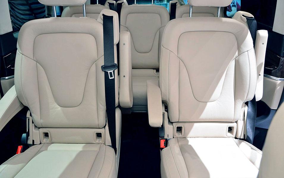 mercedes classe V lanterna limo service private taxi genova milano noleggio con conducente ncc